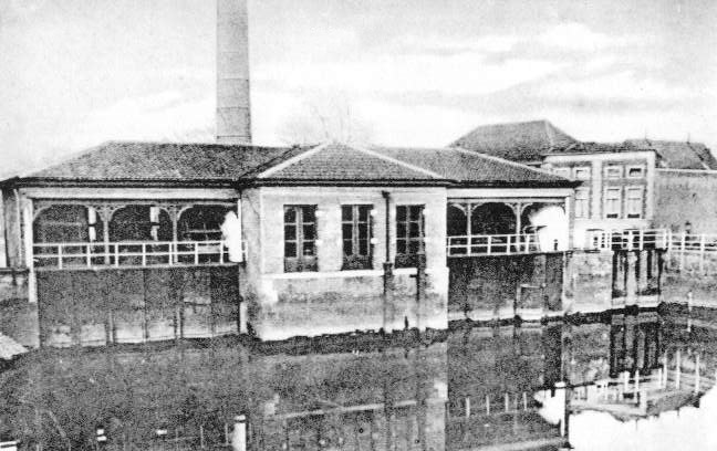 Deze afbeelding heeft een leeg alt-attribuut; de bestandsnaam is 002-Stoomgemaal-Fluwelensingel-in-1939-afgebroken.jpg