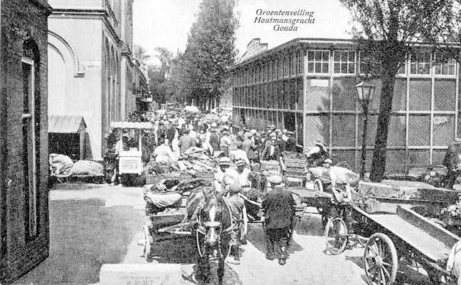 Deze afbeelding heeft een leeg alt-attribuut; de bestandsnaam is 004-Houtmansgracht-groentenveiling.jpg