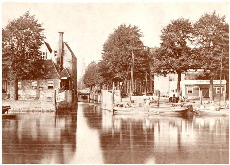 Deze afbeelding heeft een leeg alt-attribuut; de bestandsnaam is 012-Havensluisje-sluiswachterswoning-1876.jpg