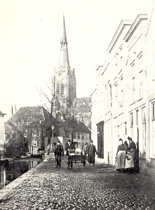 Deze afbeelding heeft een leeg alt-attribuut; de bestandsnaam is 021-De-Nieuwe-Markt-1905.jpg