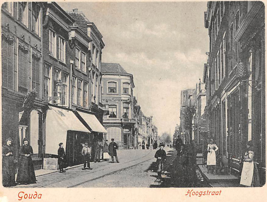 Deze afbeelding heeft een leeg alt-attribuut; de bestandsnaam is Gouda-Hoogstraat-Kleiweg-.jpg