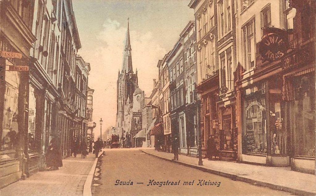Deze afbeelding heeft een leeg alt-attribuut; de bestandsnaam is Gouda-Hoogstraat-met-Kleiweg-1024x637.jpg