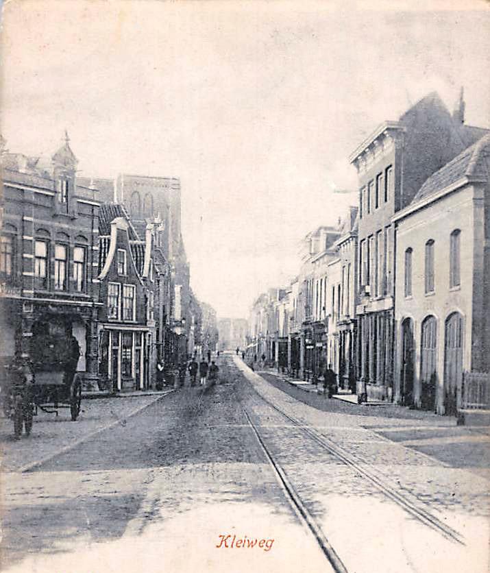 Deze afbeelding heeft een leeg alt-attribuut; de bestandsnaam is Gouda-Kleiweg-1900-.jpg