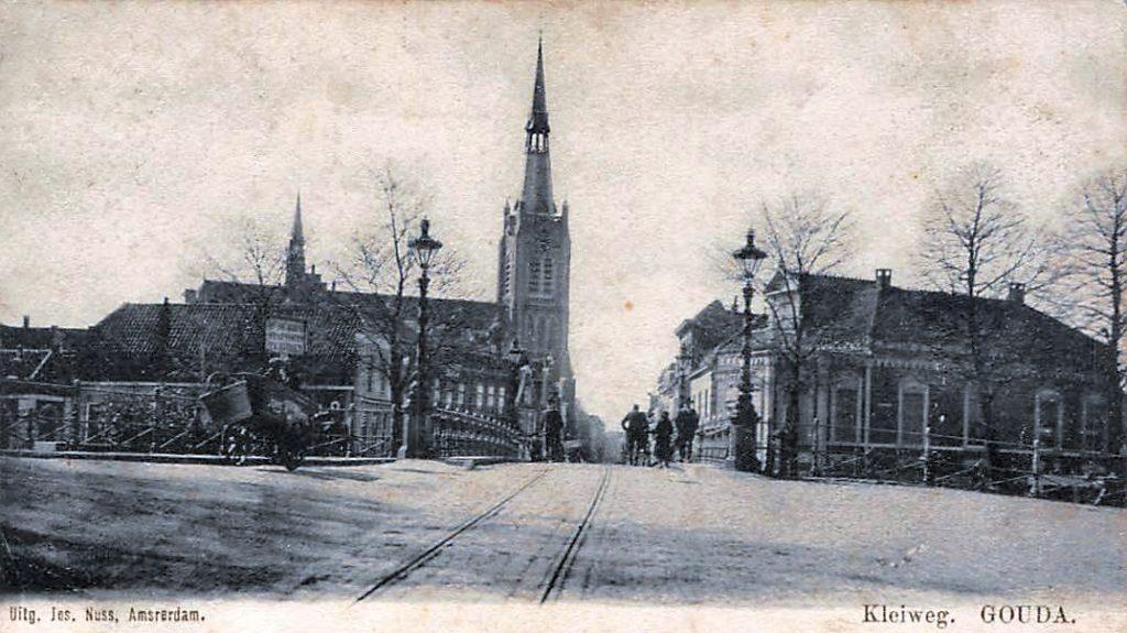 Deze afbeelding heeft een leeg alt-attribuut; de bestandsnaam is Gouda-Kleiweg-1902--1024x575.jpg